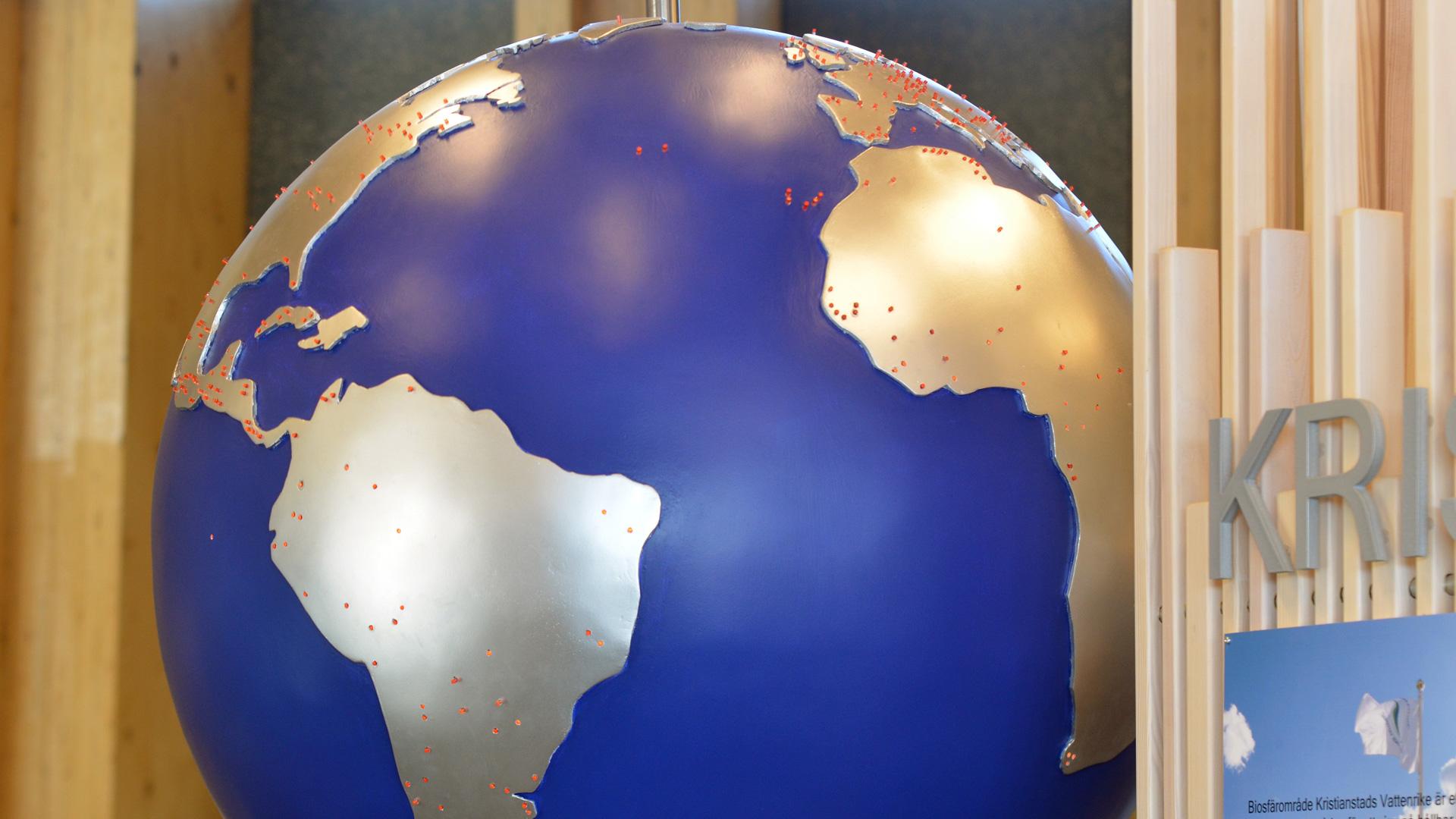 Jordgloben med alla biosfärområden