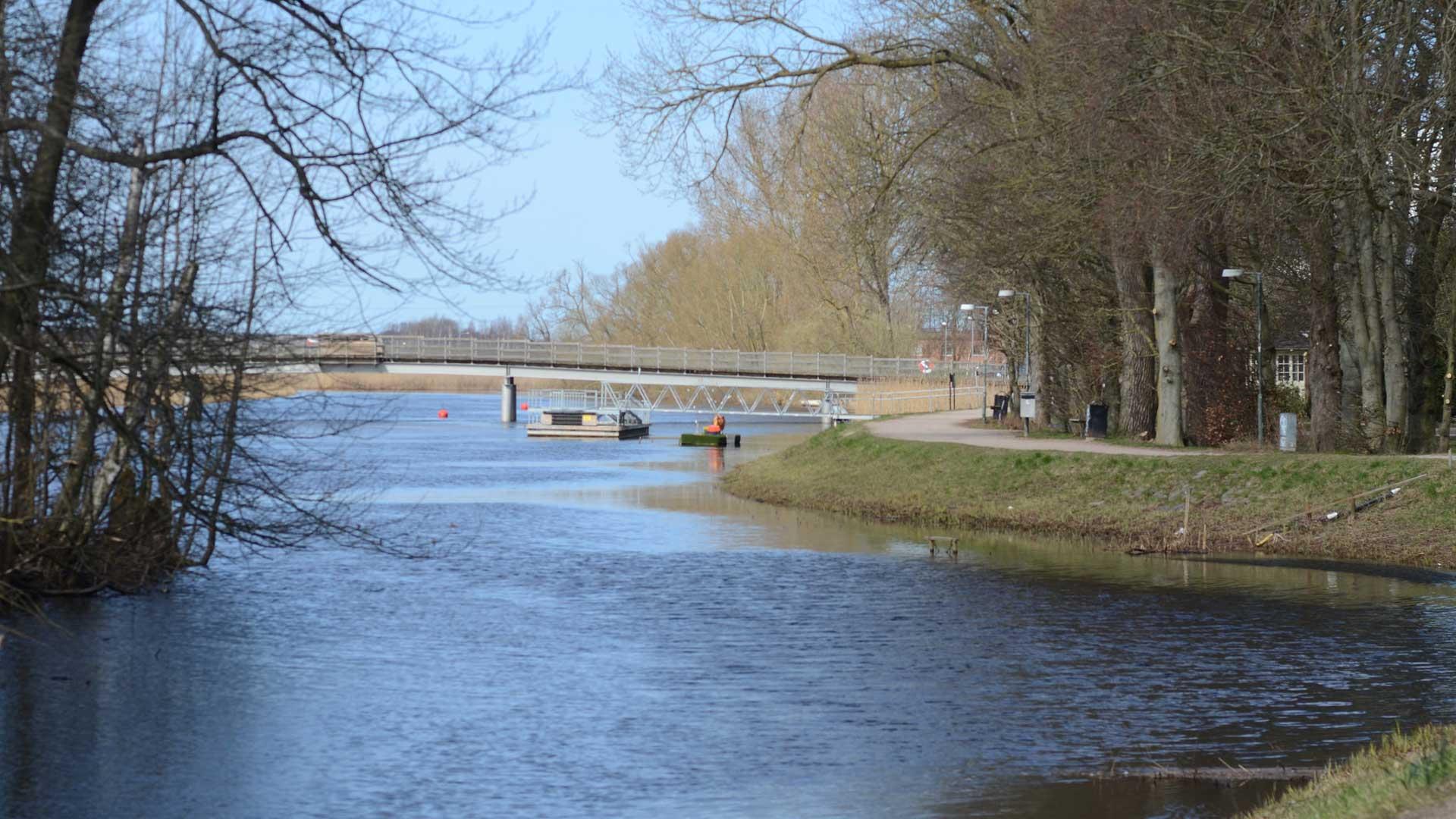 Tivolirundan går längs Helge å och Tivoliparken. Foto: Mattias Roos, Kristianstads kommun