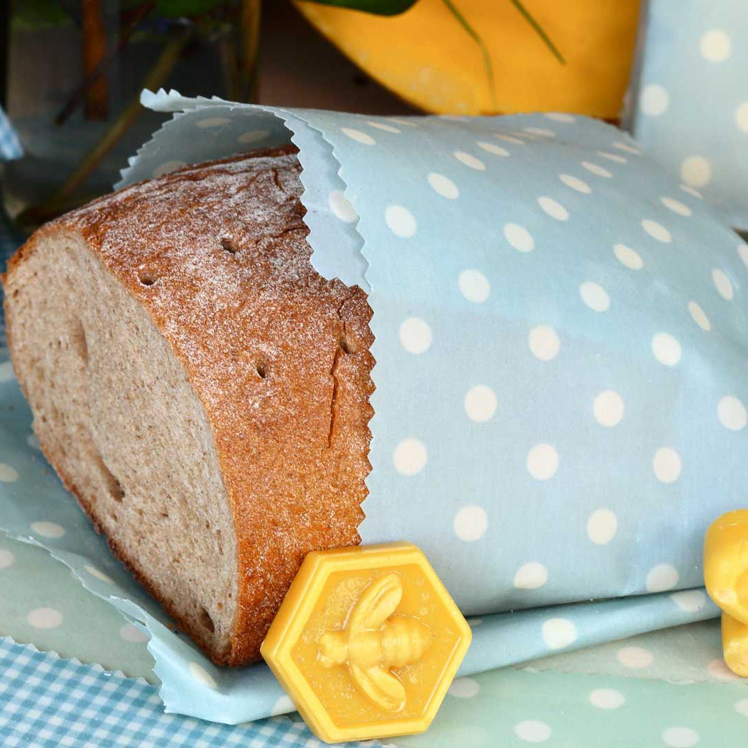 Ett bröd insvept i en bivaxduk